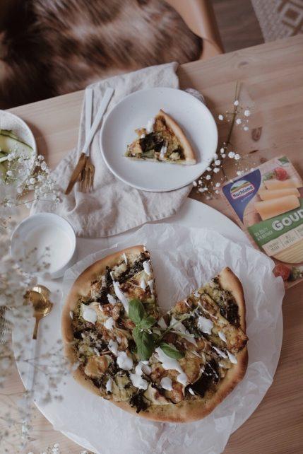 Wegetariańska pizza z pesto