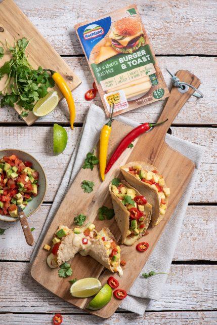Tacosy z salsą, serem i kolendrą