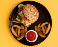 Hamburger zfrytkami