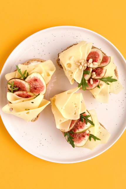 Kanapki z serem i figą